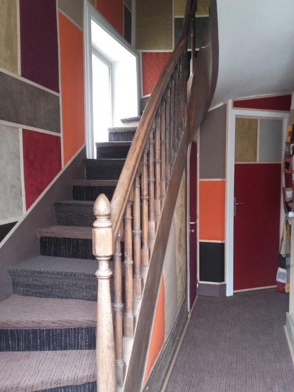 Immeuble à vendre 0 117m2 à Neuvy-Saint-Sépulchre vignette-4