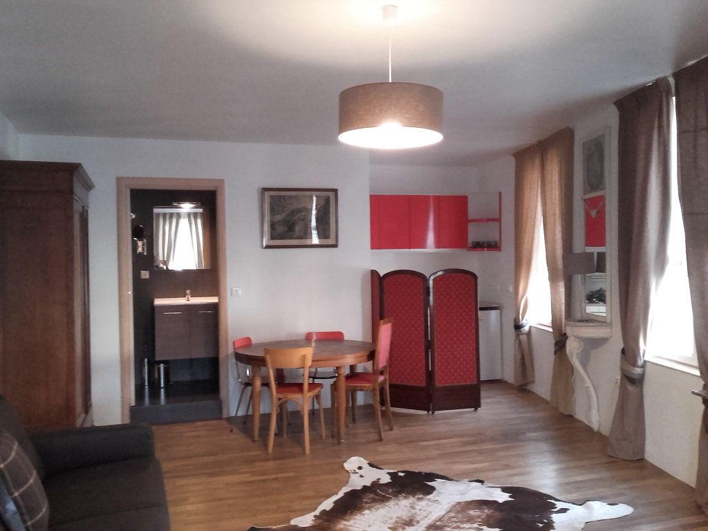 Immeuble à vendre 0 117m2 à Neuvy-Saint-Sépulchre vignette-7