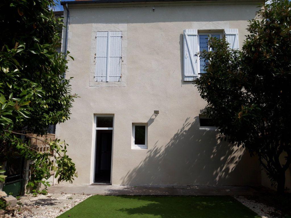 Immeuble à vendre 0 168m2 à Nevers vignette-1