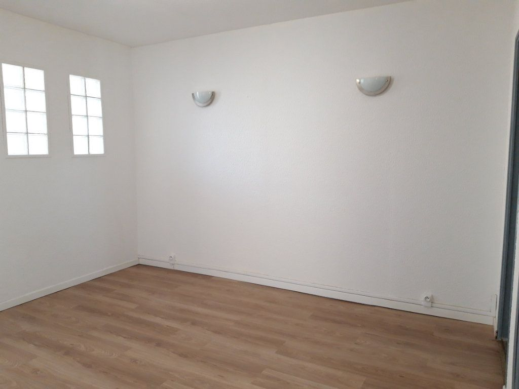 Immeuble à vendre 0 168m2 à Nevers vignette-5