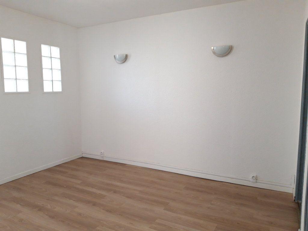 Immeuble à vendre 0 168m2 à Nevers vignette-6
