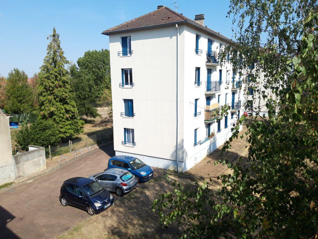 Appartement à louer 3 67.19m2 à Nevers vignette-5