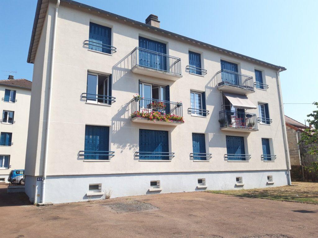 Appartement à louer 3 67.19m2 à Nevers vignette-6