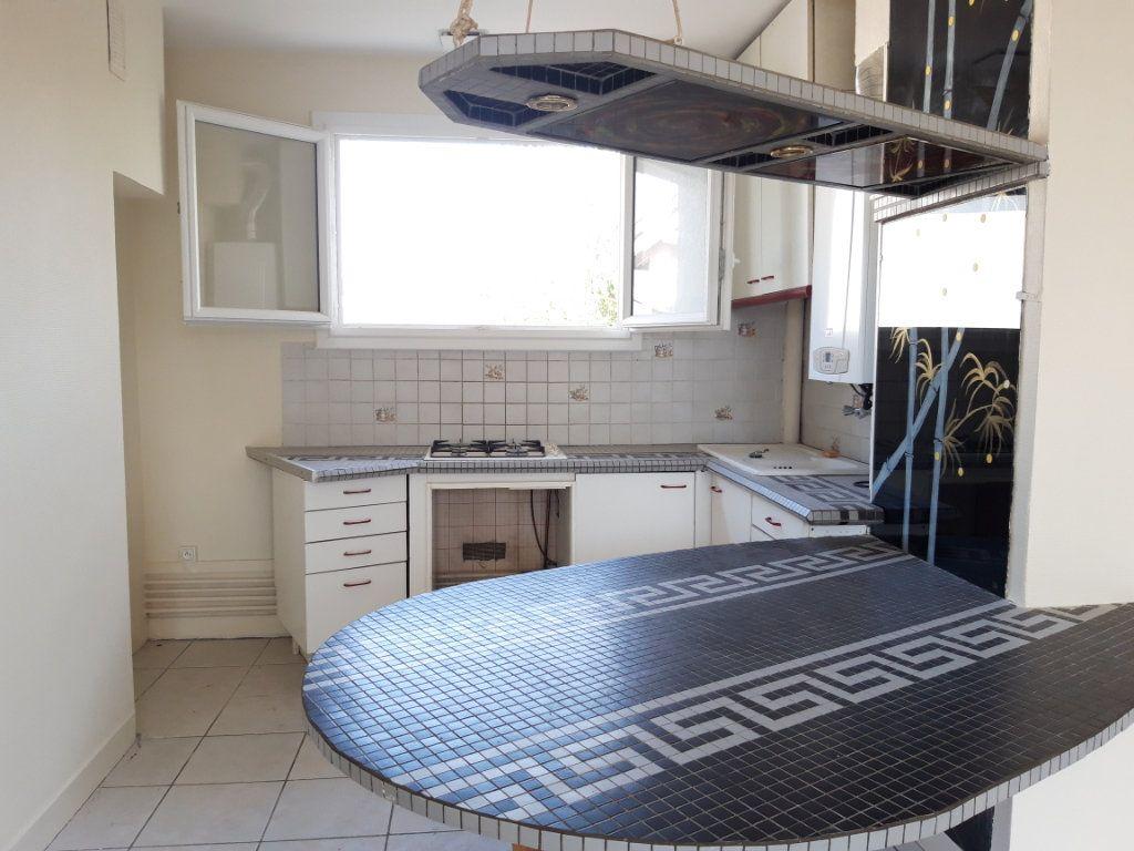 Appartement à louer 3 67.19m2 à Nevers vignette-7