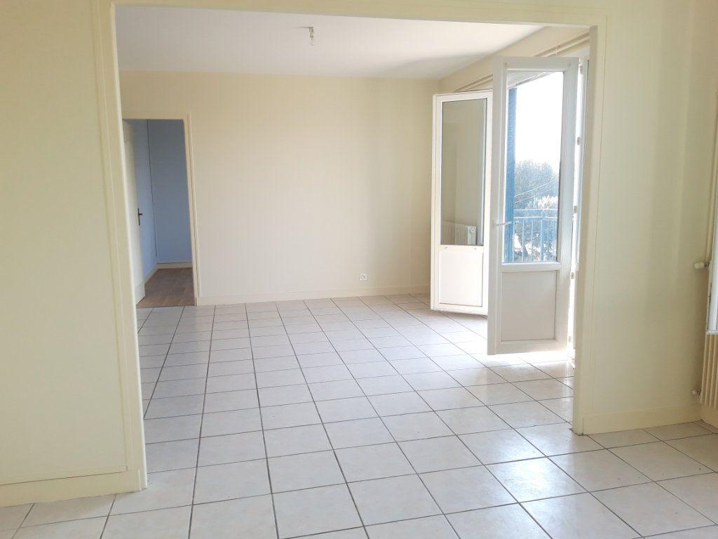 Appartement à louer 3 67.19m2 à Nevers vignette-12