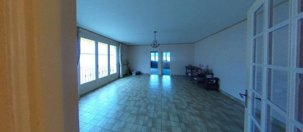 Maison à vendre 5 135m2 à Bourges vignette-2