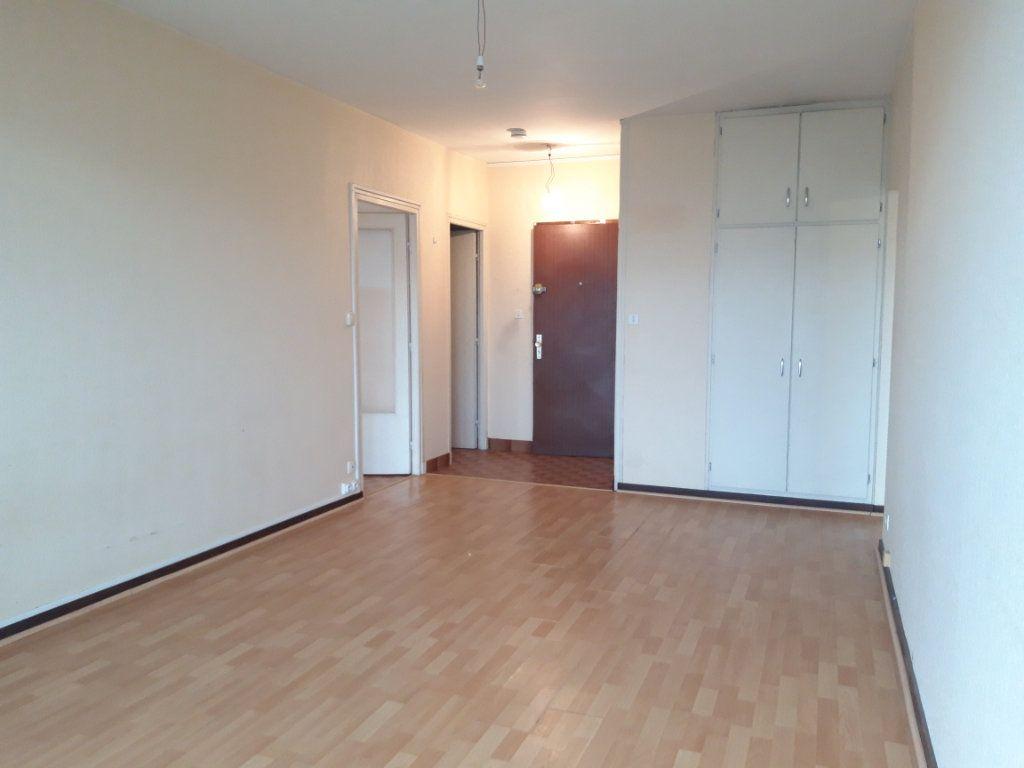 Appartement à louer 2 42.34m2 à Nevers vignette-1
