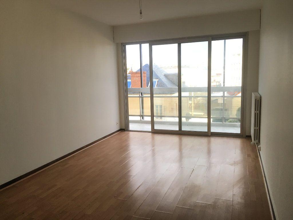 Appartement à louer 2 42.34m2 à Nevers vignette-4