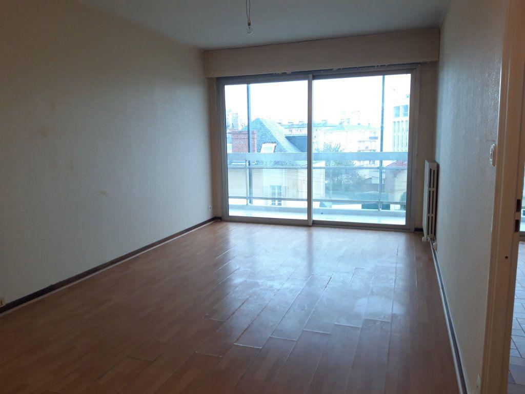 Appartement à louer 2 42.34m2 à Nevers vignette-6