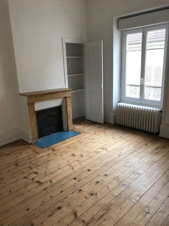 Appartement à vendre 5 140m2 à La Charité-sur-Loire vignette-1
