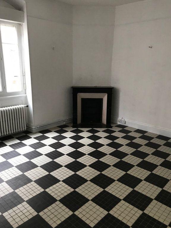 Appartement à vendre 5 140m2 à La Charité-sur-Loire vignette-4