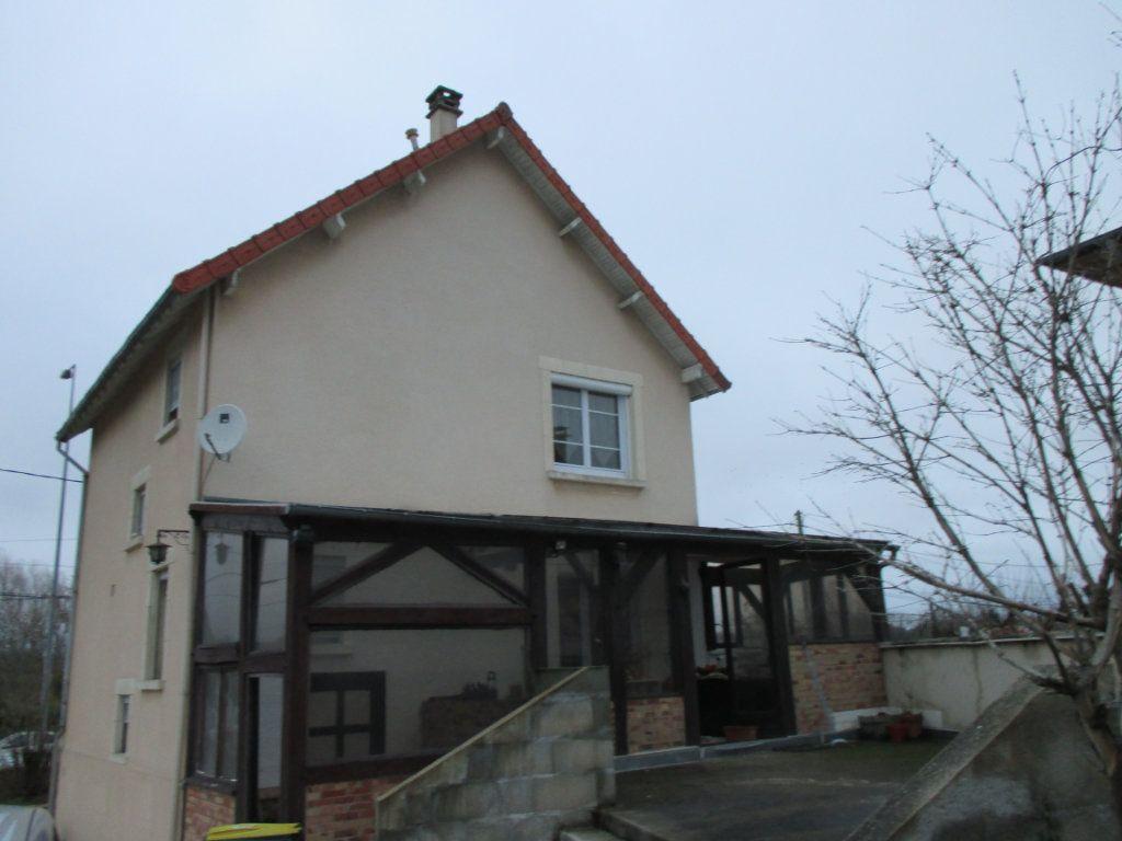 Maison à vendre 5 135m2 à Bourges vignette-1