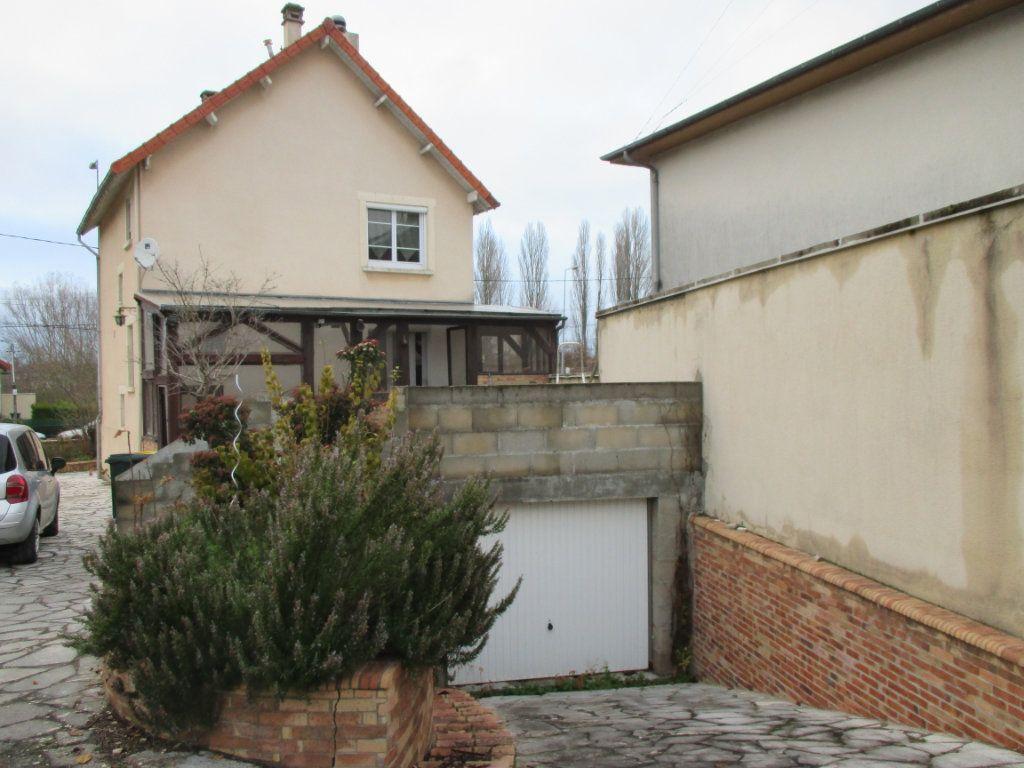 Maison à vendre 5 135m2 à Bourges vignette-9