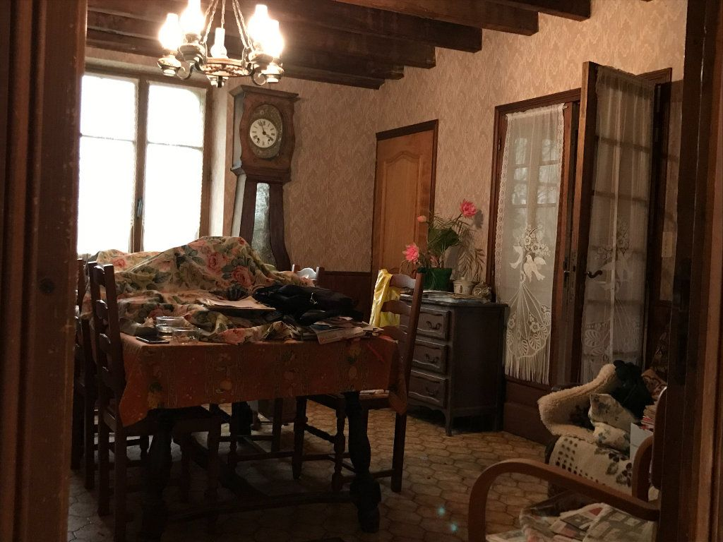 Maison à vendre 5 96m2 à Neuvy-Saint-Sépulchre vignette-2