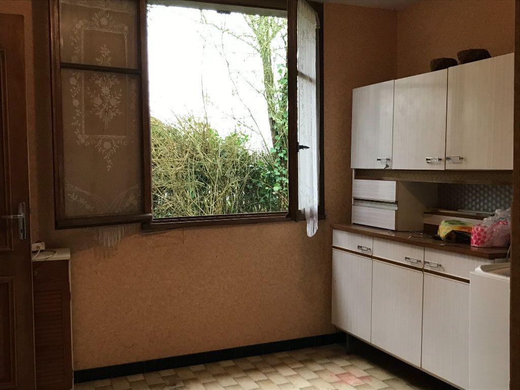Maison à vendre 5 96m2 à Neuvy-Saint-Sépulchre vignette-9