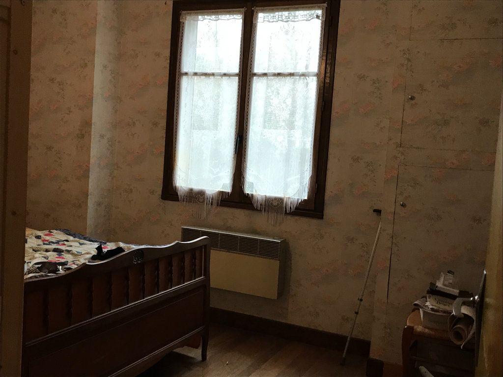 Maison à vendre 5 96m2 à Neuvy-Saint-Sépulchre vignette-12
