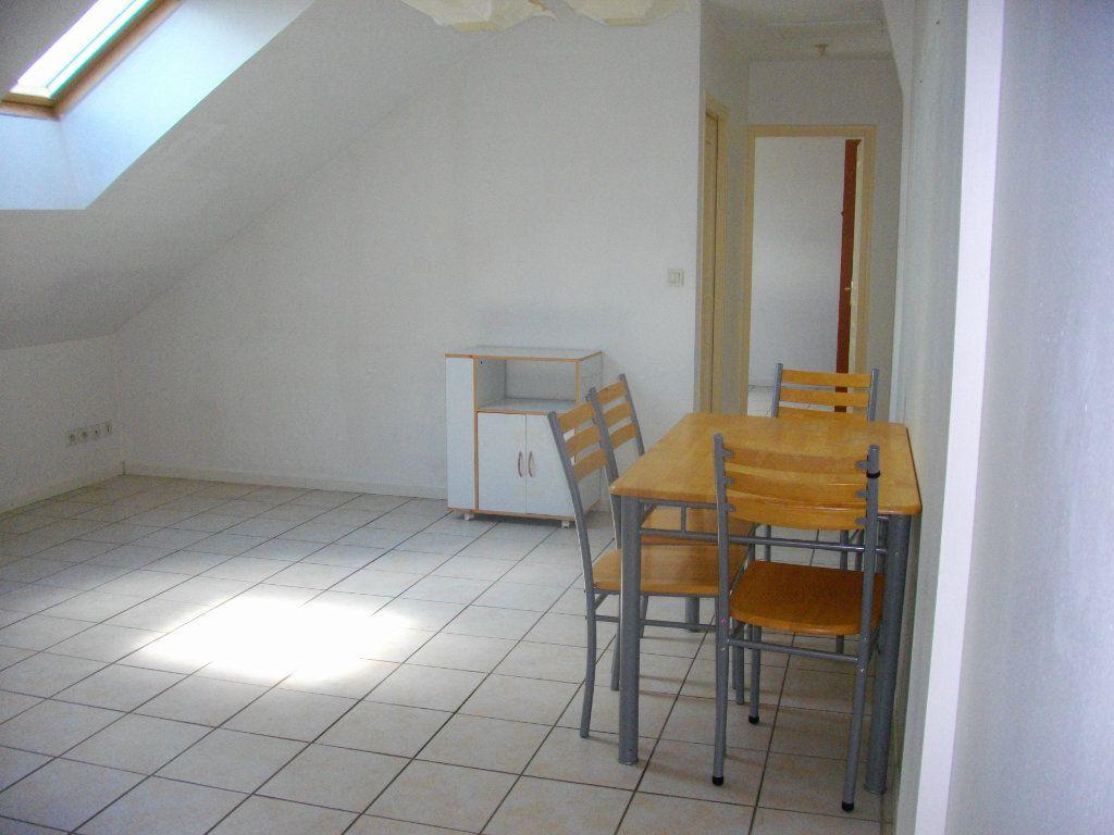 Appartement à louer 2 33m2 à Bourges vignette-2