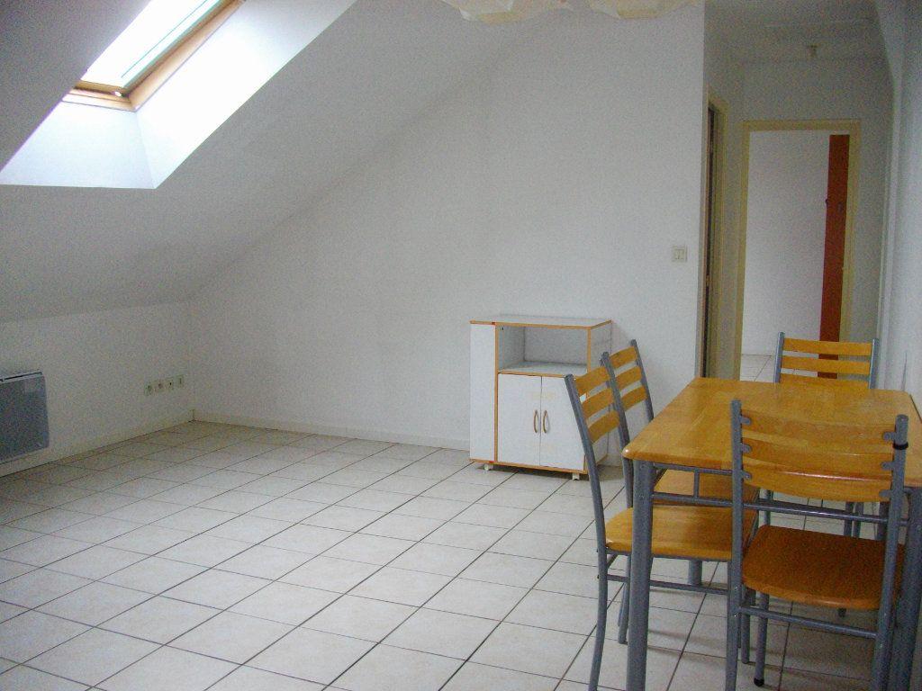 Appartement à louer 2 33m2 à Bourges vignette-3