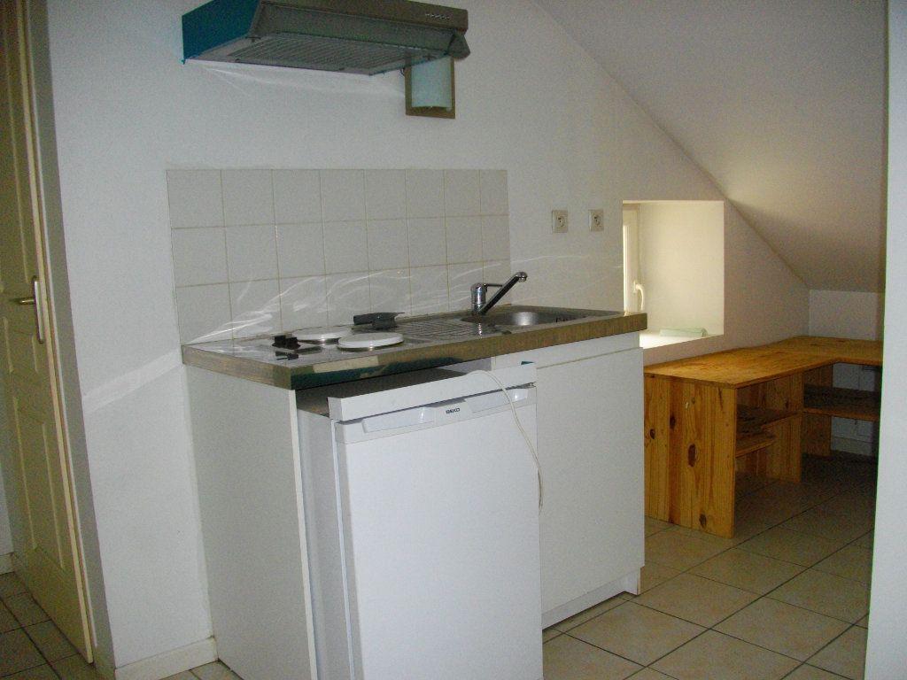 Appartement à louer 2 33m2 à Bourges vignette-4