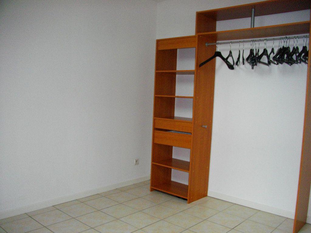 Appartement à louer 2 33m2 à Bourges vignette-6