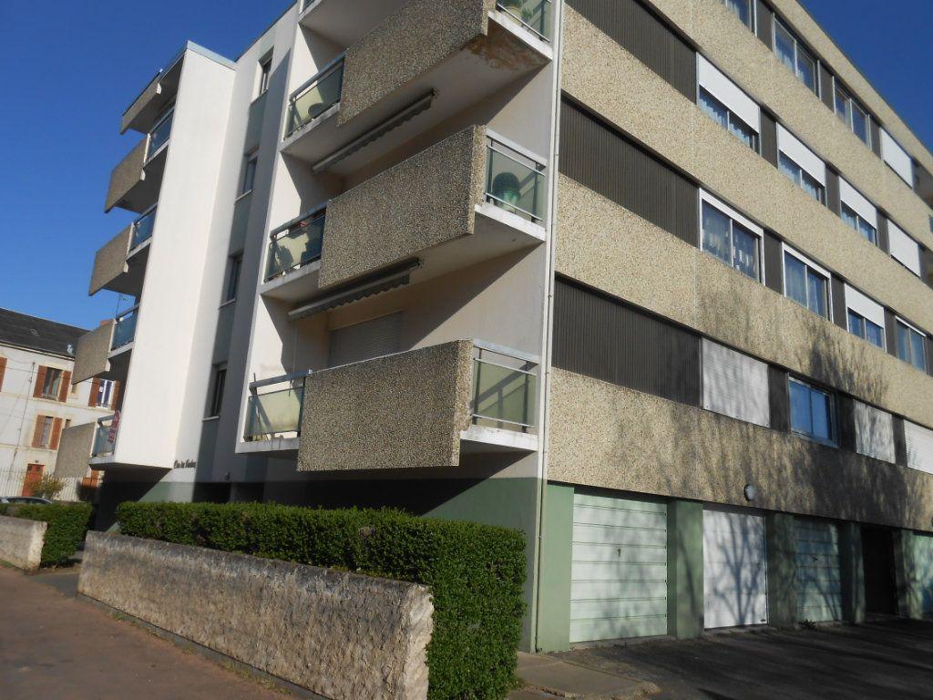 Appartement à vendre 4 100m2 à Nevers vignette-2