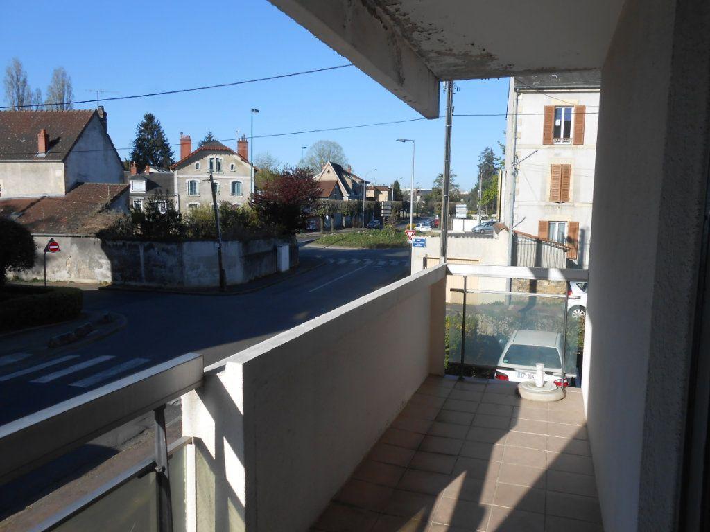 Appartement à vendre 4 100m2 à Nevers vignette-4