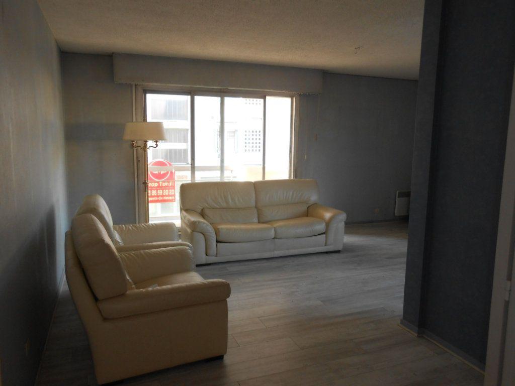 Appartement à vendre 4 100m2 à Nevers vignette-5