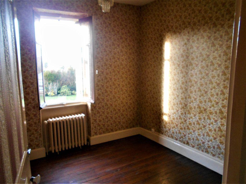 Maison à vendre 5 125m2 à La Guerche-sur-l'Aubois vignette-5
