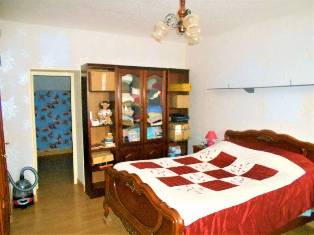 Maison à vendre 5 125m2 à La Guerche-sur-l'Aubois vignette-10