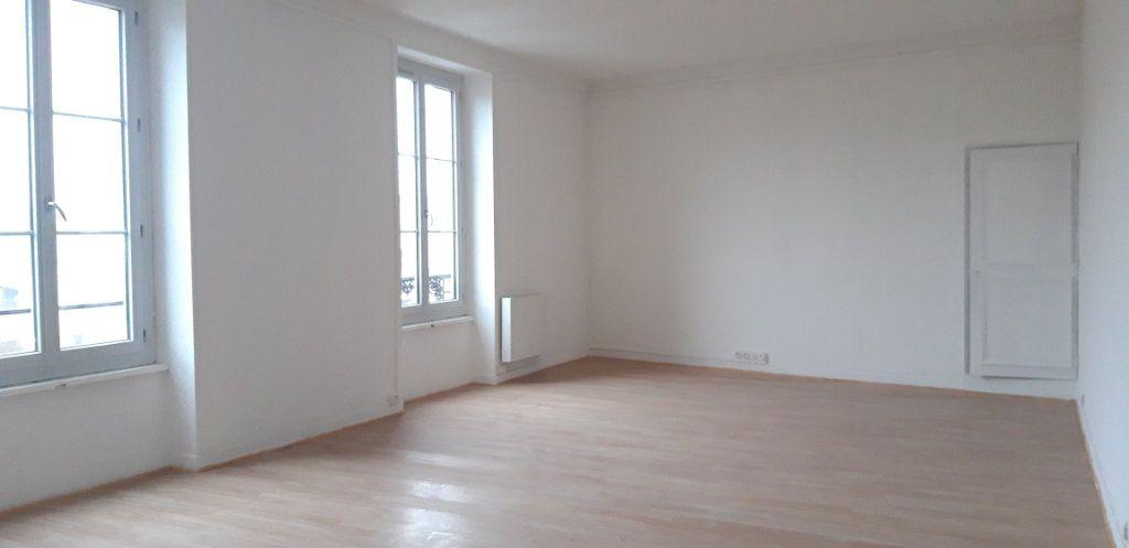 Appartement à louer 3 82.2m2 à Nevers vignette-6