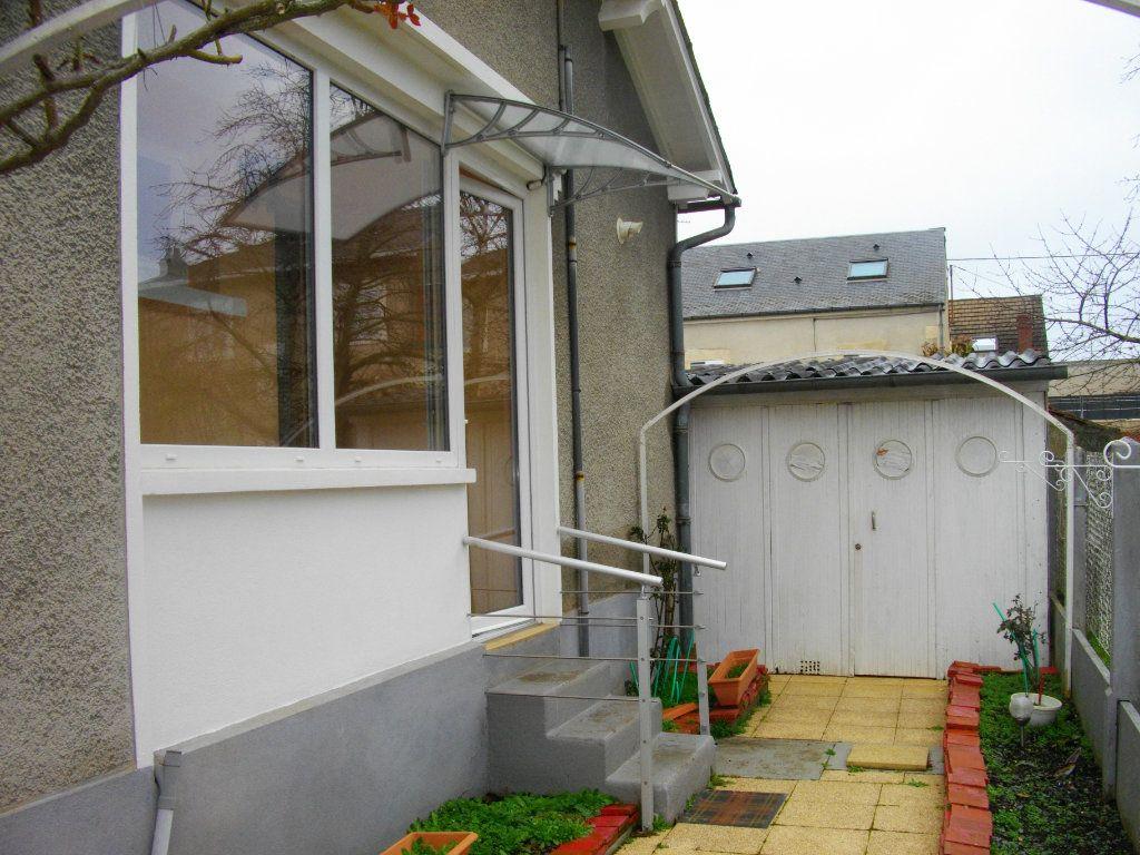 Maison à louer 2 51.7m2 à Bourges vignette-3