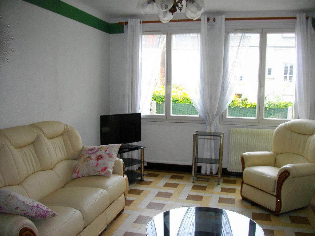Maison à louer 2 51.7m2 à Bourges vignette-4