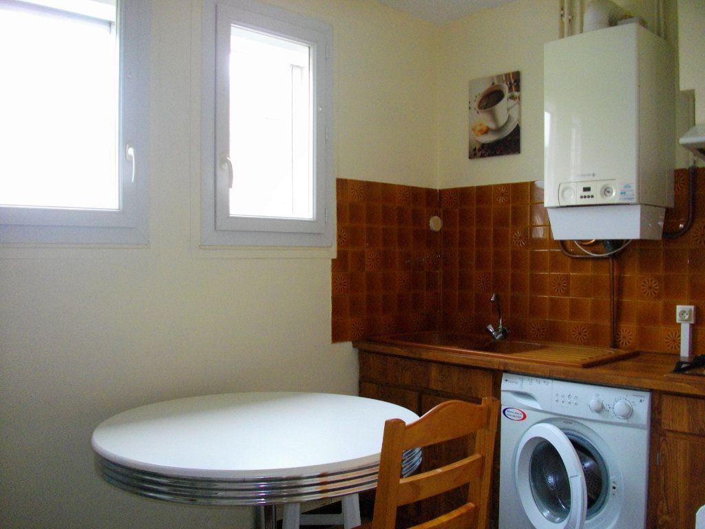 Maison à louer 2 51.7m2 à Bourges vignette-5