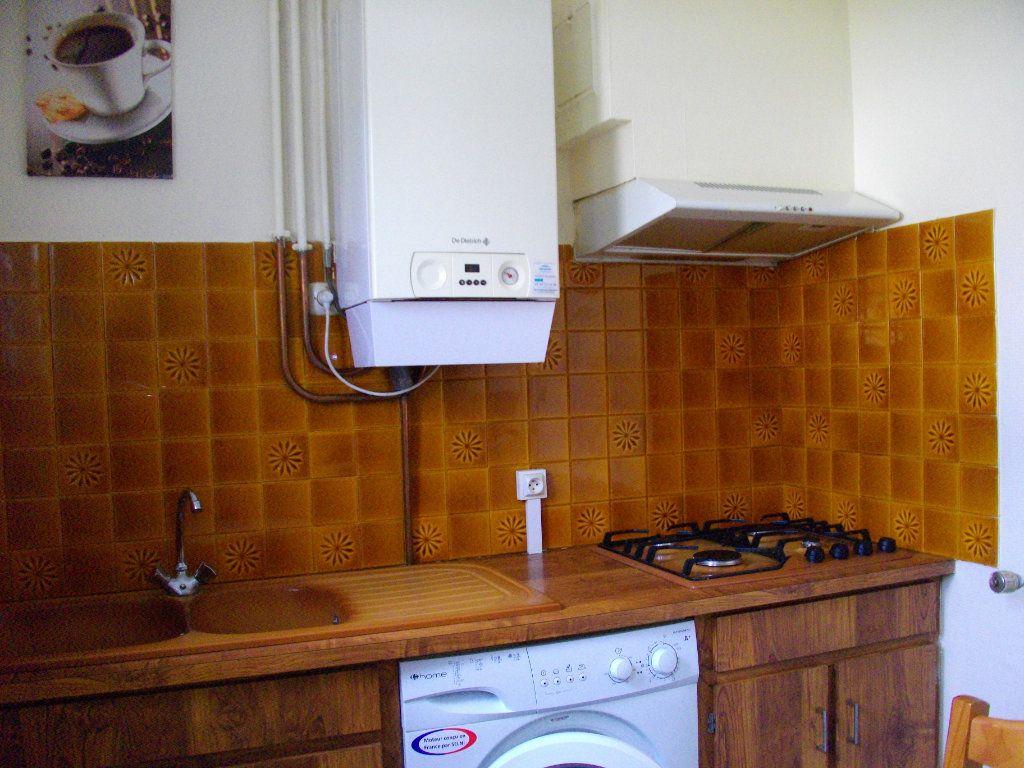 Maison à louer 2 51.7m2 à Bourges vignette-6