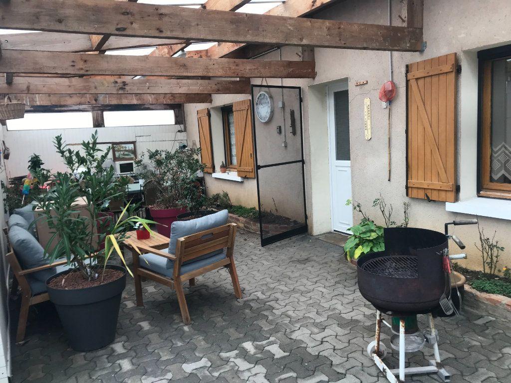 Maison à vendre 5 95m2 à Montierchaume vignette-1