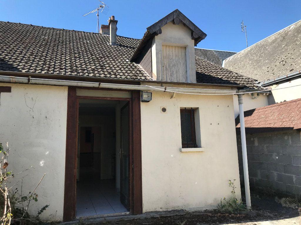 Maison à vendre 4 93m2 à Saint-Genou vignette-3