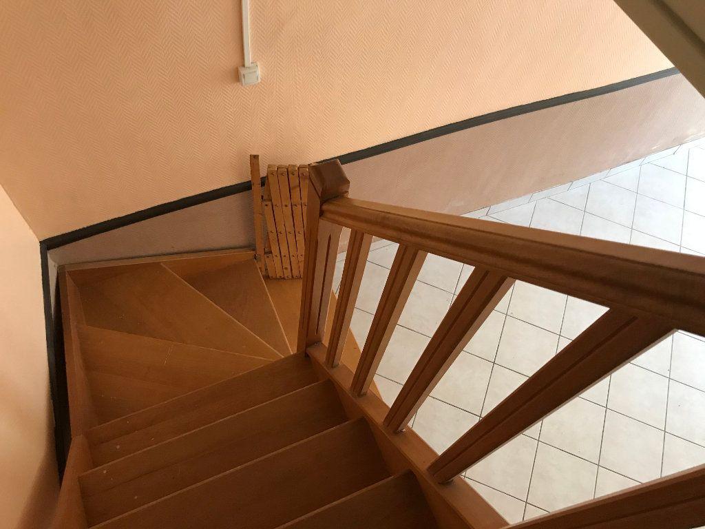 Maison à vendre 4 93m2 à Saint-Genou vignette-4