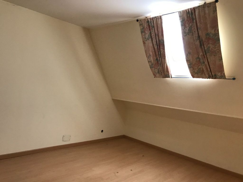 Maison à vendre 4 93m2 à Saint-Genou vignette-5