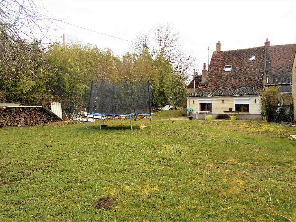 Maison à vendre 5 100m2 à Cours-les-Barres vignette-1