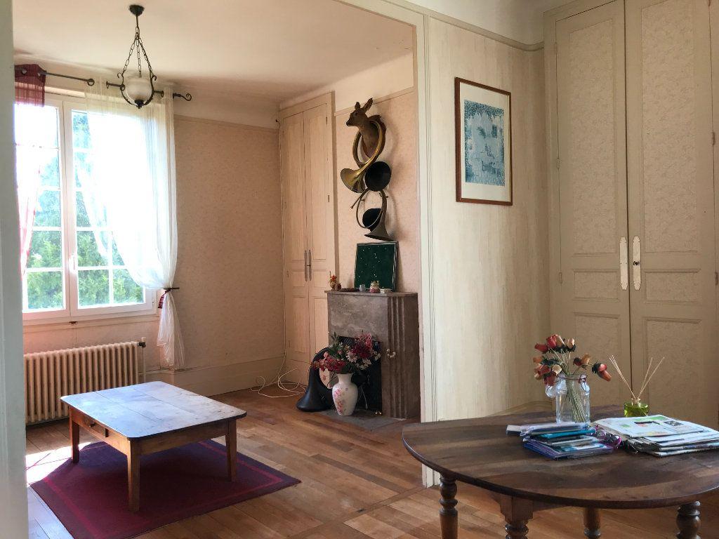 Maison à vendre 6 140m2 à Velles vignette-1