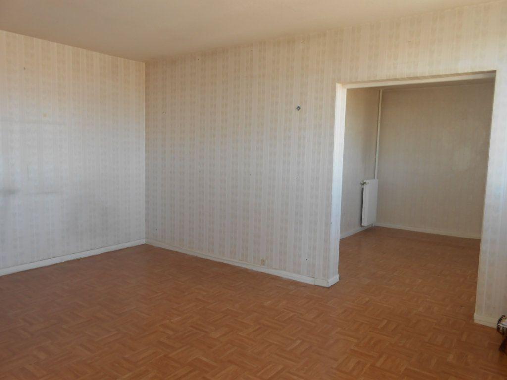Appartement à vendre 5 73m2 à Nevers vignette-1