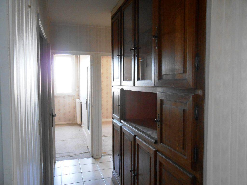 Appartement à vendre 5 73m2 à Nevers vignette-5