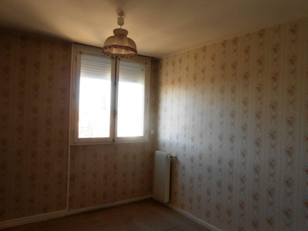 Appartement à vendre 5 73m2 à Nevers vignette-6
