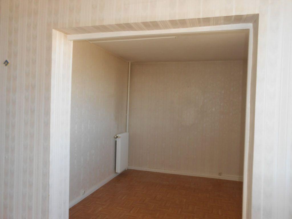 Appartement à vendre 5 73m2 à Nevers vignette-7