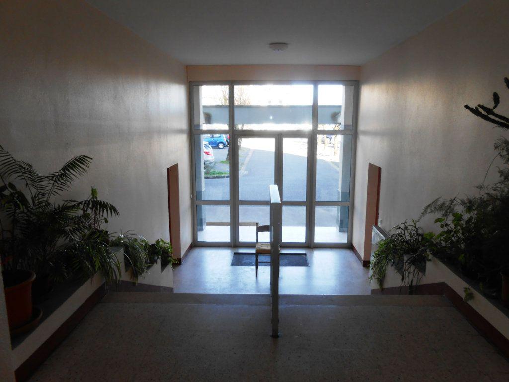 Appartement à vendre 5 73m2 à Nevers vignette-10