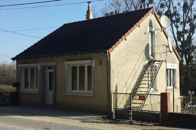 Maison à vendre 5 60m2 à Saint-Florent-sur-Cher vignette-1