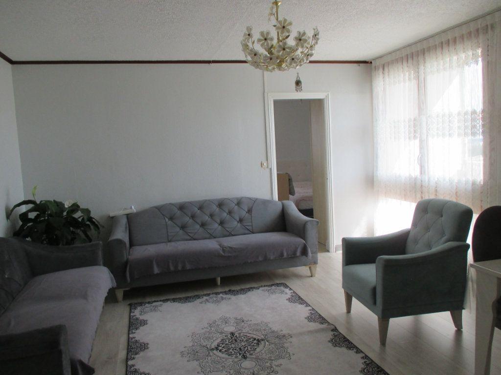 Appartement à vendre 4 77.73m2 à Bourges vignette-2