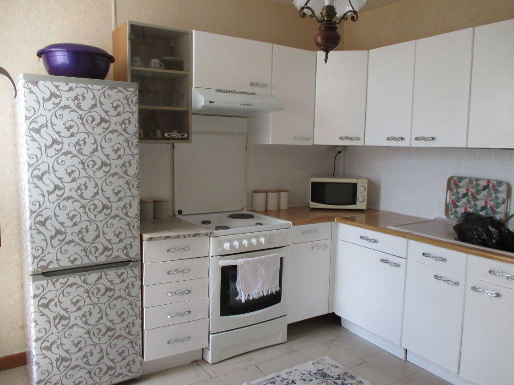 Appartement à vendre 4 77.73m2 à Bourges vignette-3