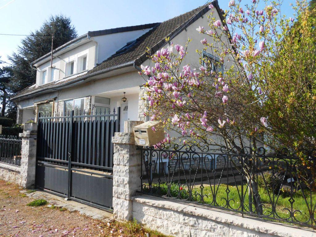Maison à vendre 5 130m2 à Varennes-Vauzelles vignette-1