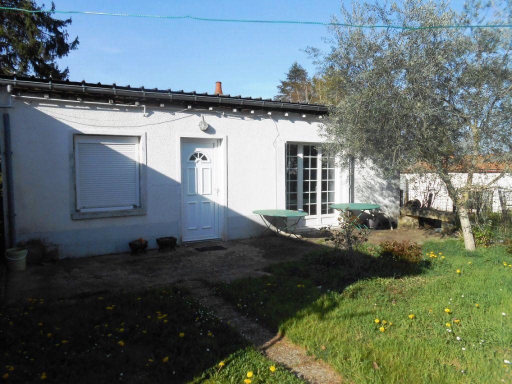 Maison à vendre 5 130m2 à Varennes-Vauzelles vignette-3